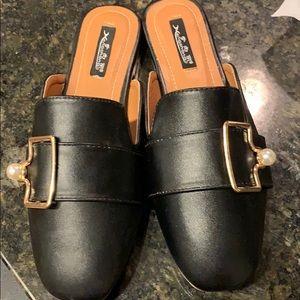 Shoes - Women slipper
